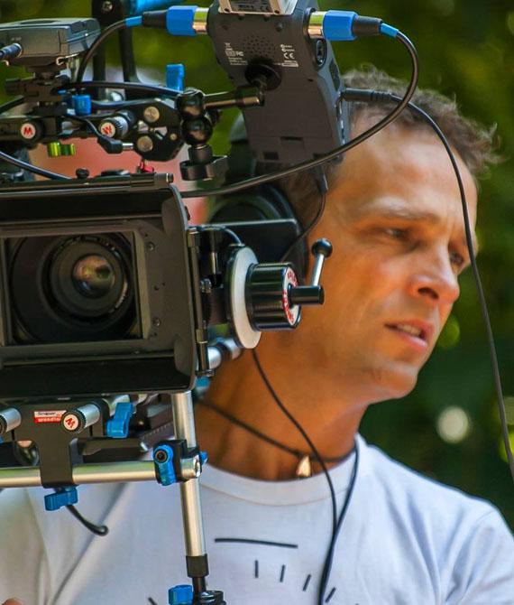Marcel Canon 70D HondenTV